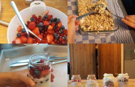 Knapperige granola met rood fruit