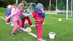 Waarom bewegen met jonge kinderen zo belangrijk is