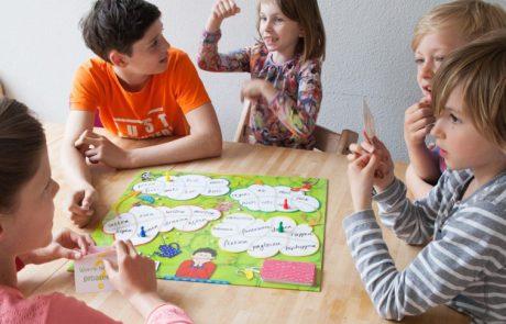 Door fantasievragen te stellen kan een kind lekker vrij nadenken en praten