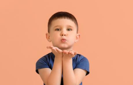 Waarom gebaren? Je geeft kinderen taal in handen!